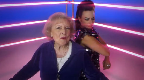 Betty White with Luciana in 'I'm Still Hot'