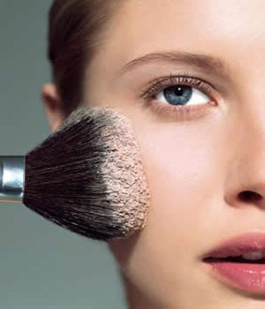 <b>AW11 Beauty Trends...</b>