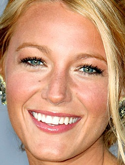 Blake Lively  on Blake Lively Makeup Family Outing Jpg