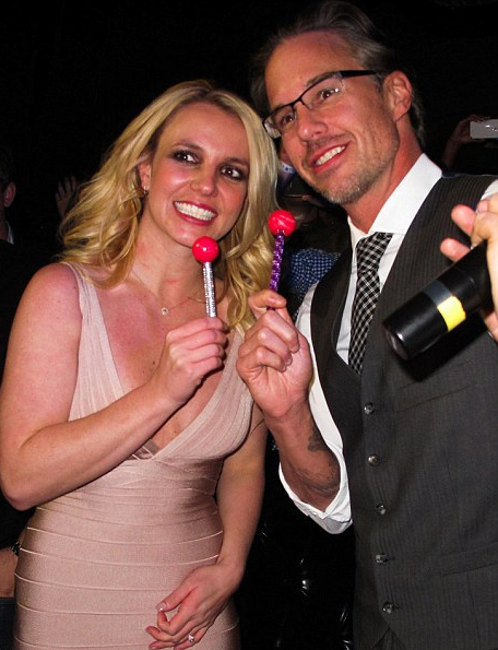 <b>Britney Parties in V...</b>