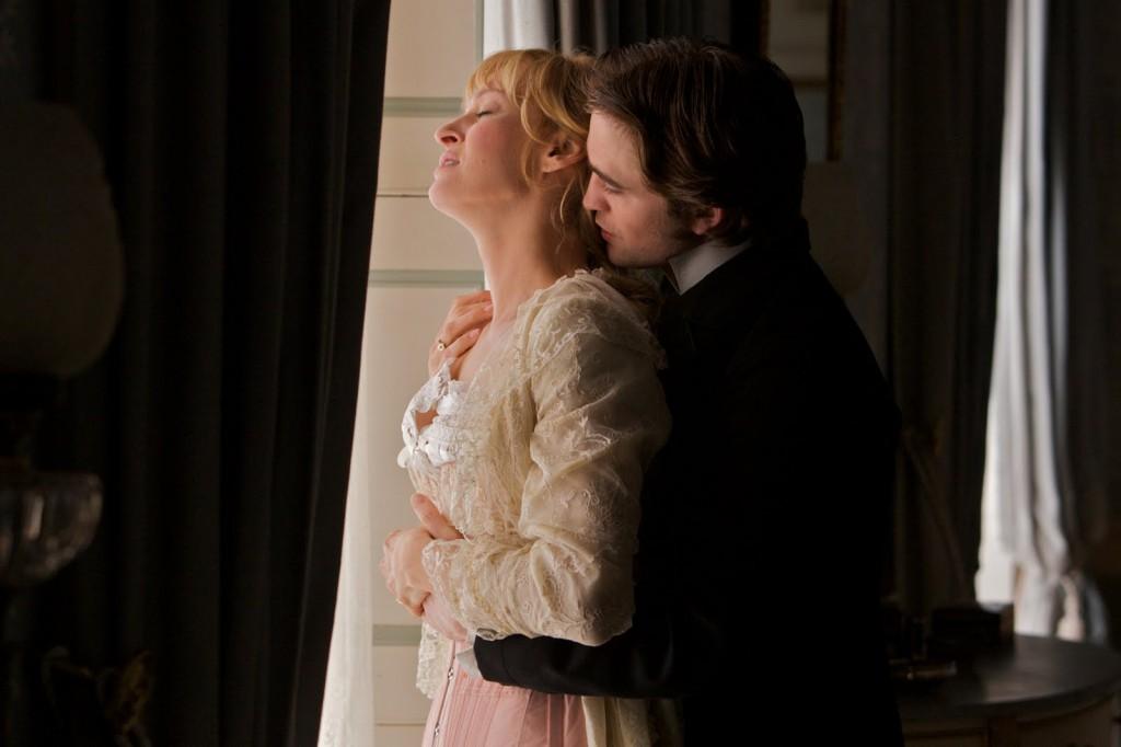 Uma Thurman and Robert Pattinson in Bel Ami