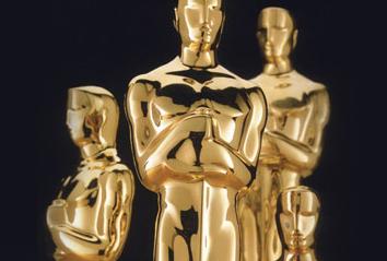 <b>LIVE: Oscars Nominat...</b>