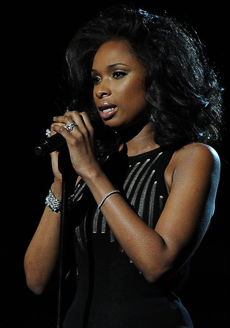 Jennifer Hudson singing her tribute to Whitney