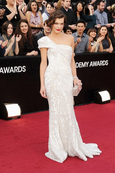 Milla Jovovich in Elie Saab - Oscars 2012