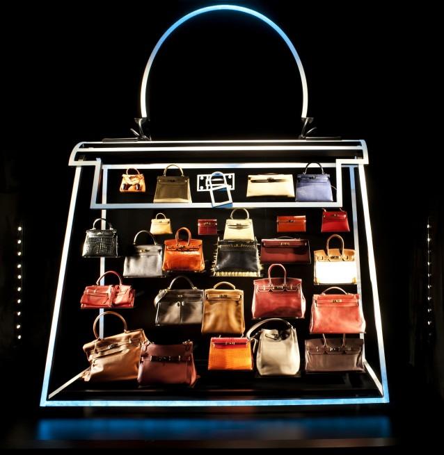<b>Hermès Leather Fore...</b>
