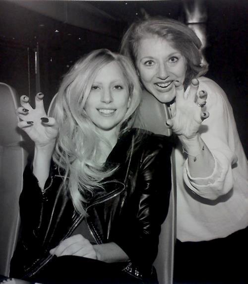 <b>Lady &amp; Mama Gaga...</b>