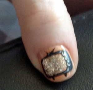 Zooey Deschanel's TV nail art for the Emmy's