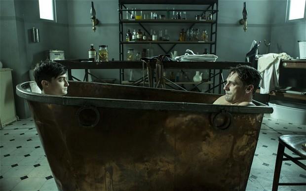 <b>Jon Hamm &amp; Danie...</b>