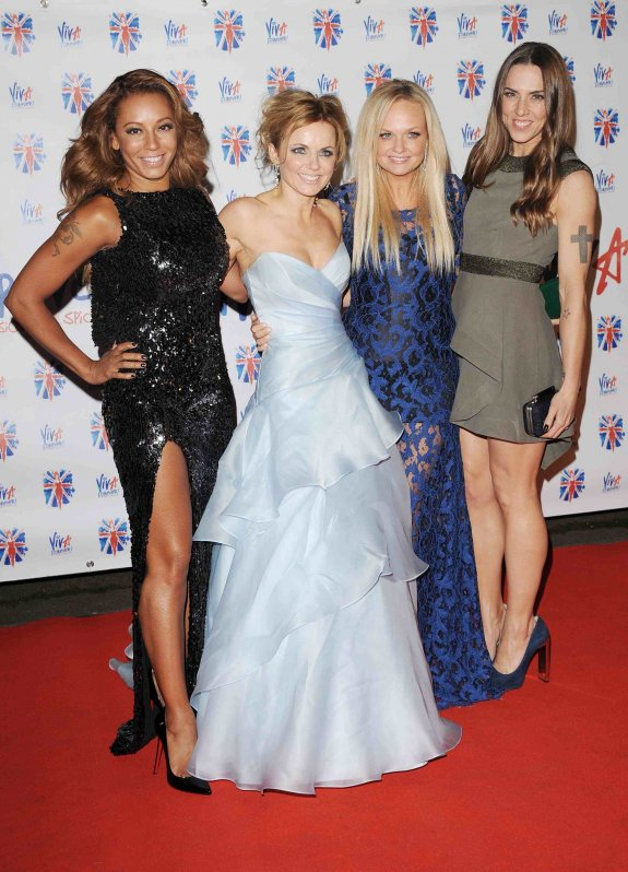 <b>Spice Girls Reunite ...</b>