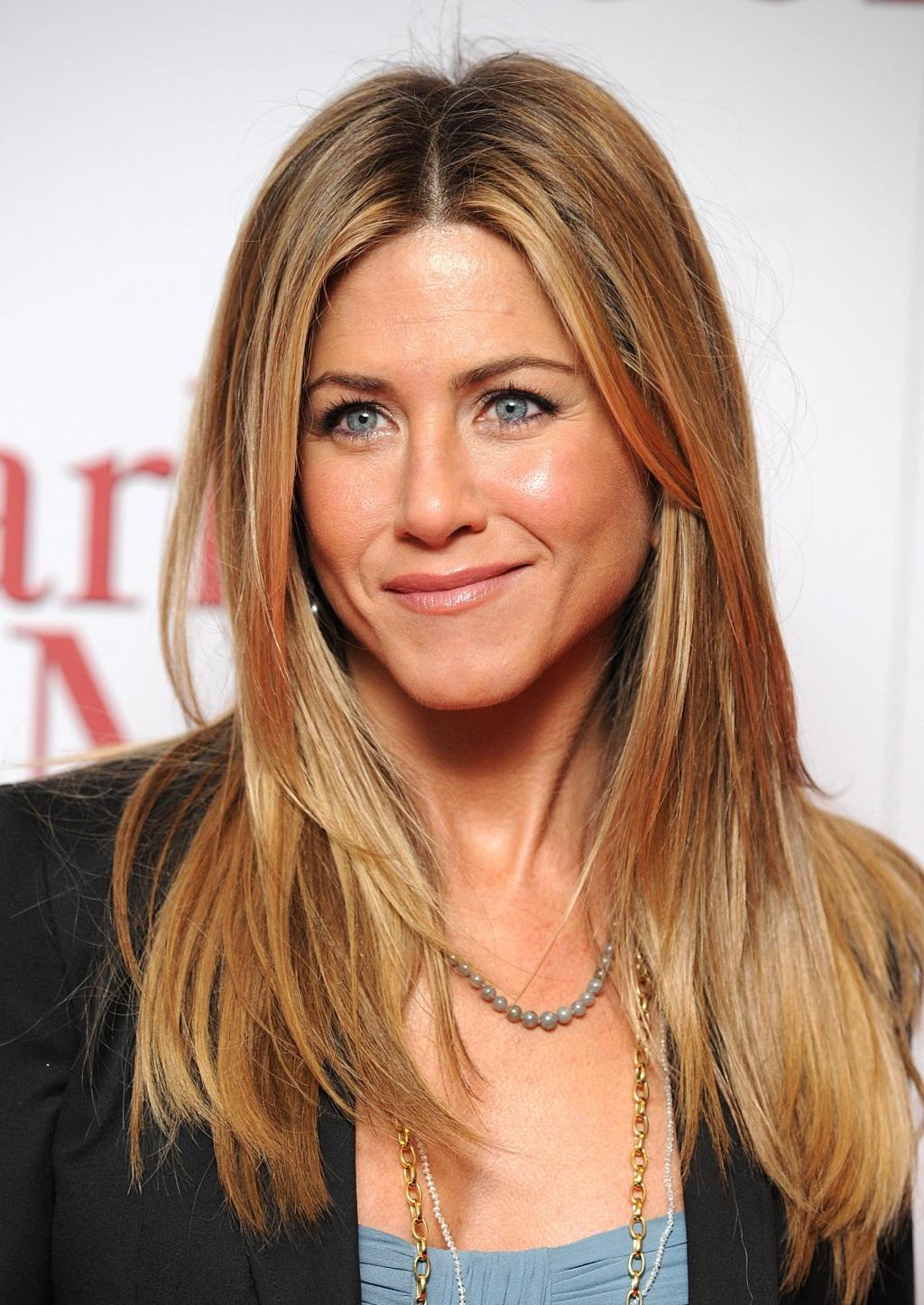 <b>Jennifer Aniston: Ne...</b>