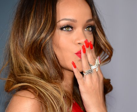 <b>Rihanna Brown? It Co...</b>