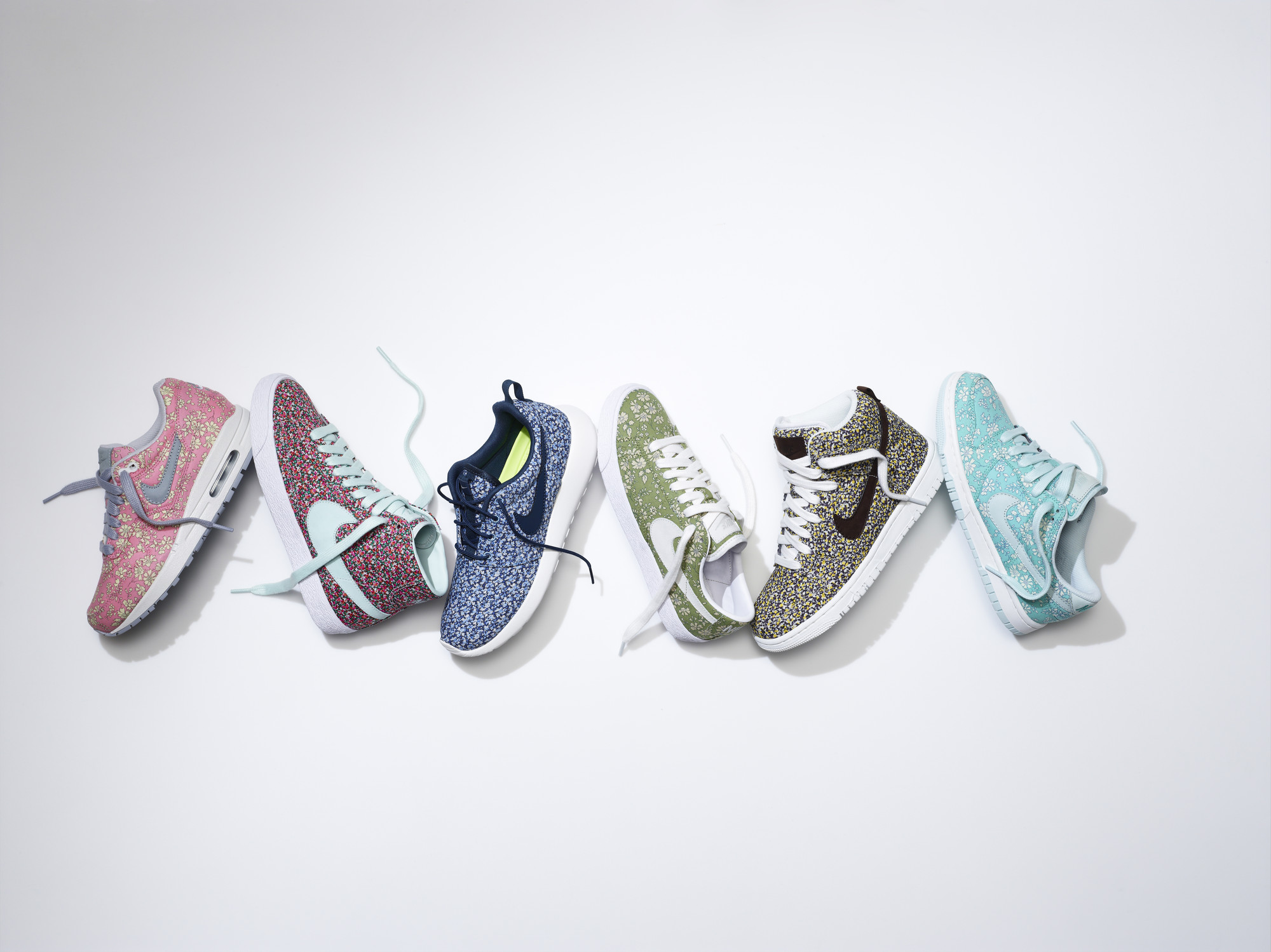 <b>Customised Nike X Li...</b>