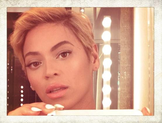 <b>Beyonce Showcases Ne...</b>