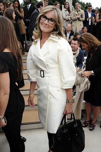 angela-ahrendts-vogue-5aug13-getty_b_426x639