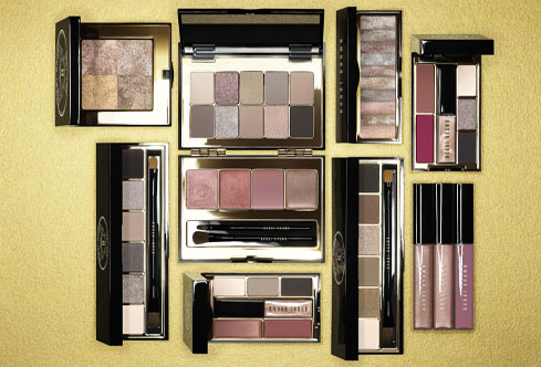 <b>BOBBI BROWN HOLIDAY ...</b>