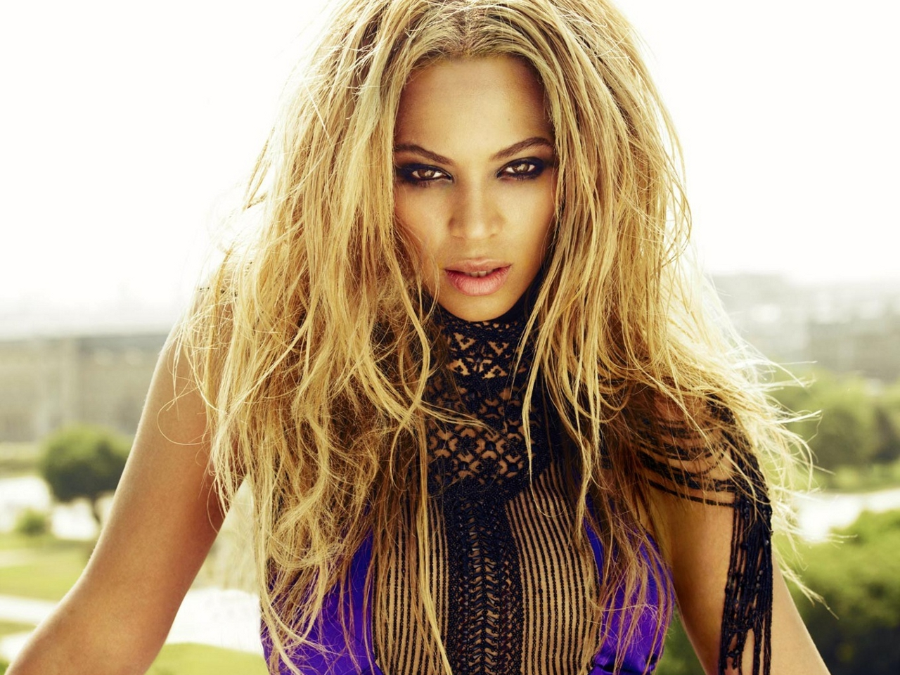<b>BEYONCE RELEASES SUR...</b>