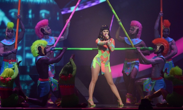 "Katy Perry performing ""Dark Horse."""