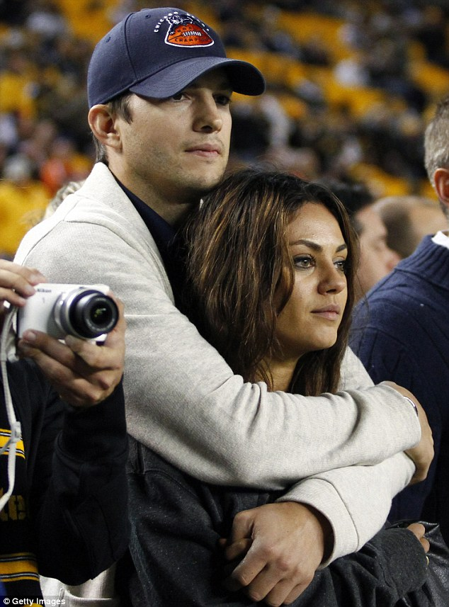 <b>MILA KUNIS AND ASHTO...</b>