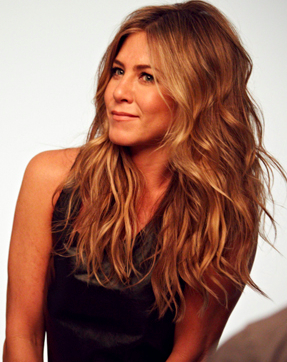 <b>JENNIFER ANISTON SET...</b>