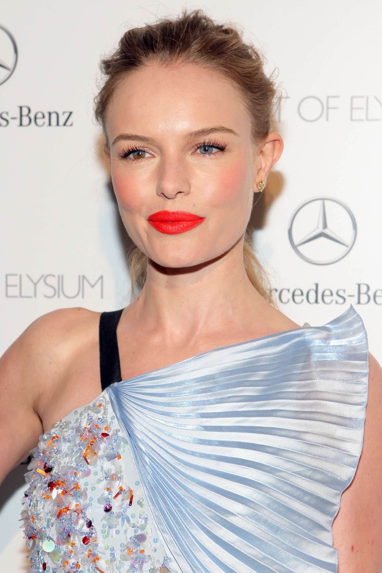 <b>KATE BOSWORTH LAUNCH...</b>