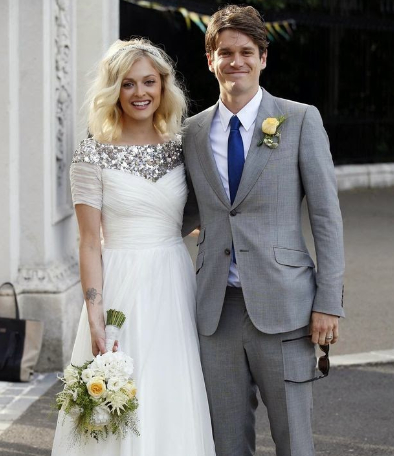 <b>FEARNE COTTON MARRIE...</b>