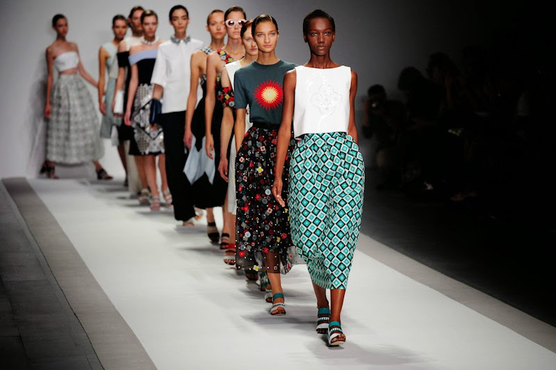 <b>#LFW: HOLLY FULTON S...</b>