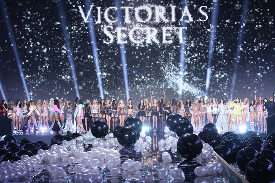 <b>THE VICTORIA'S SECRE...</b>