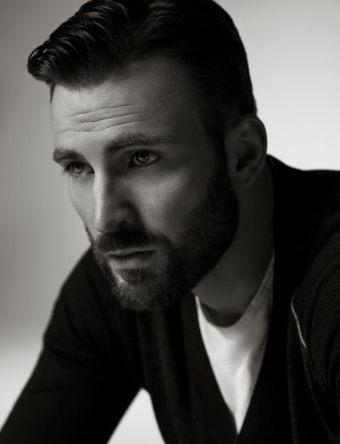<b>CHRIS EVANS TALKS VA...</b>
