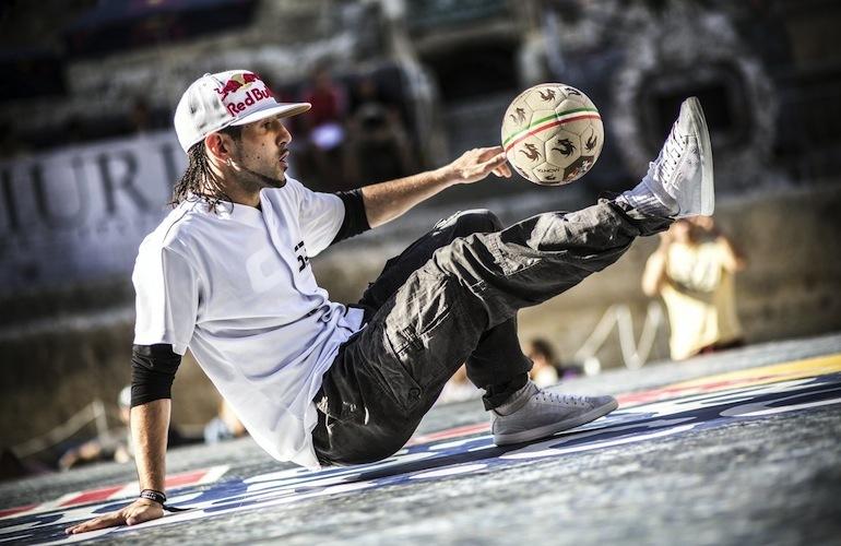 foot-freestyle-sean-garnier-street-style