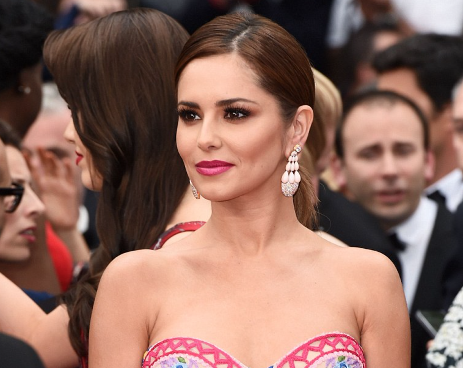 <b>CHERYL'S CANNES MAKE...</b>