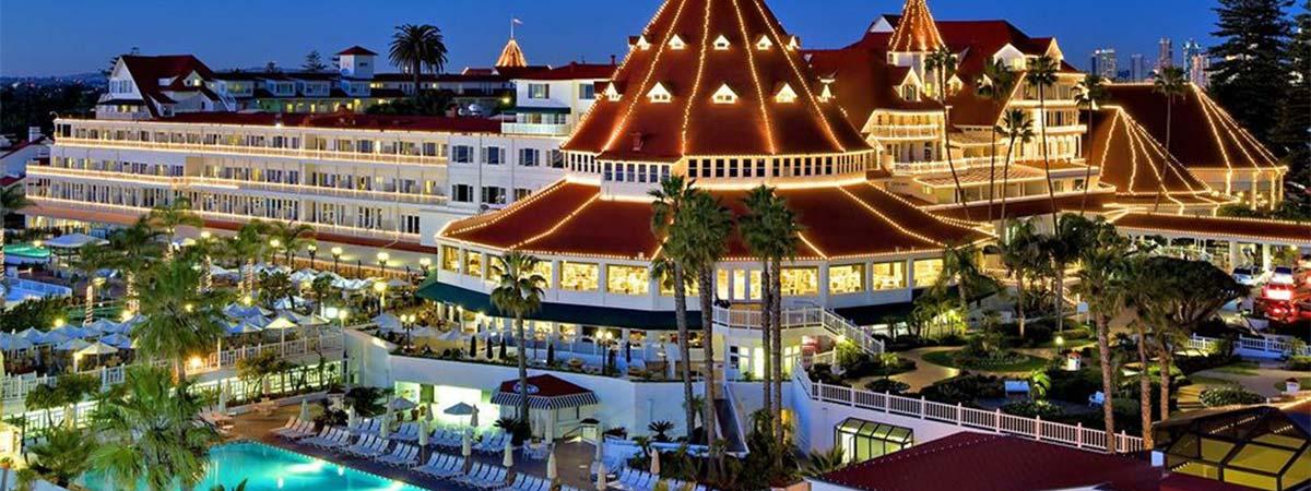<b>HOTEL DEL CORONADO: ...</b>