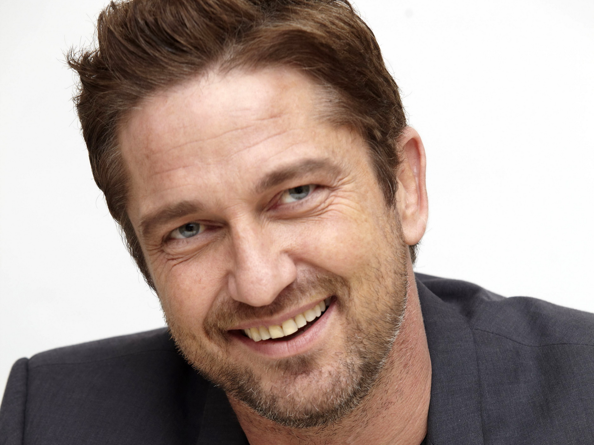 GERARD BUTLER WILL STAR IN ANGEL HAS FALLEN | Beauty And ... Gerard Butler 2016