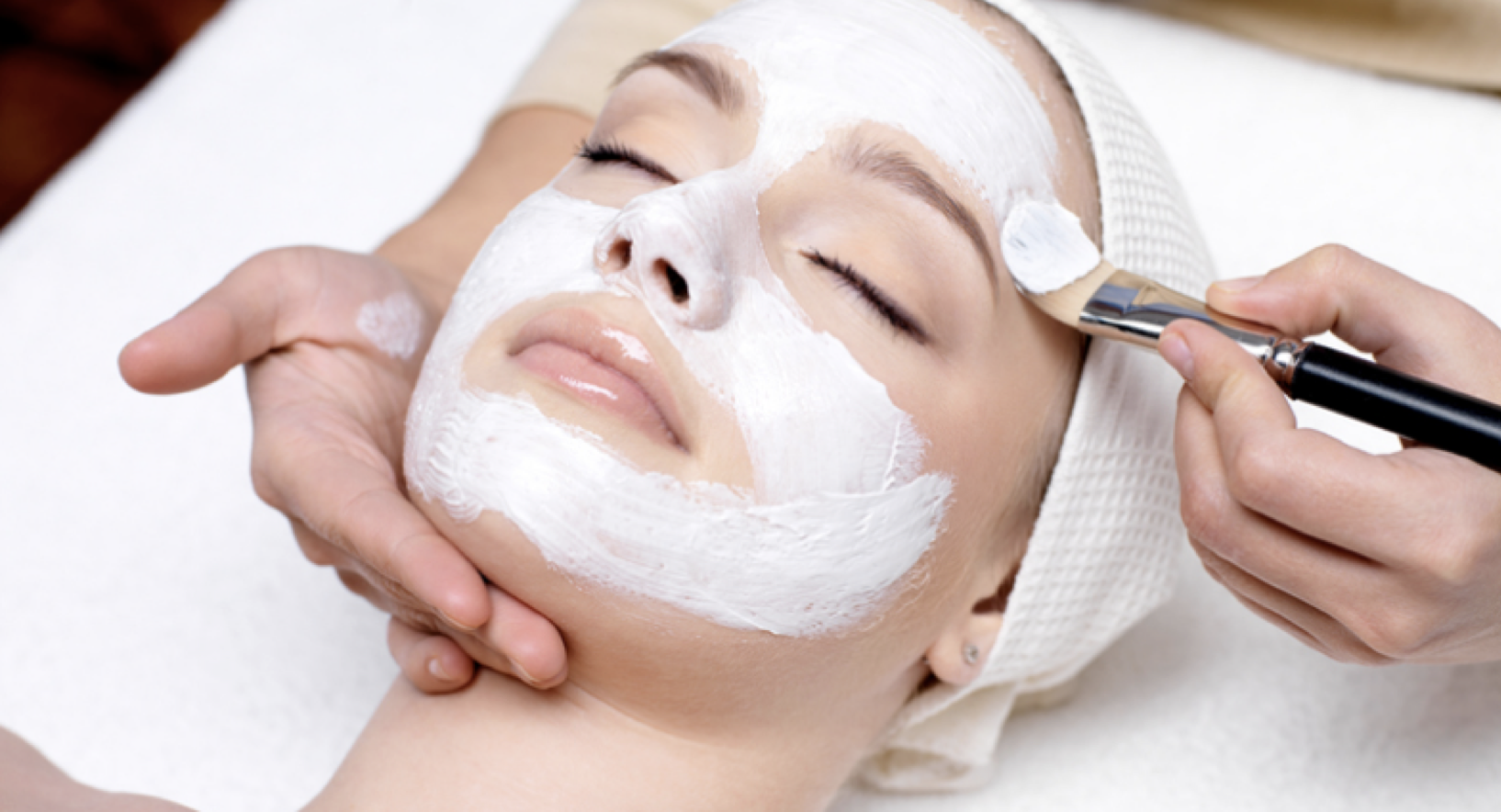 <b>QMS FACIALS AT LIBER...</b>