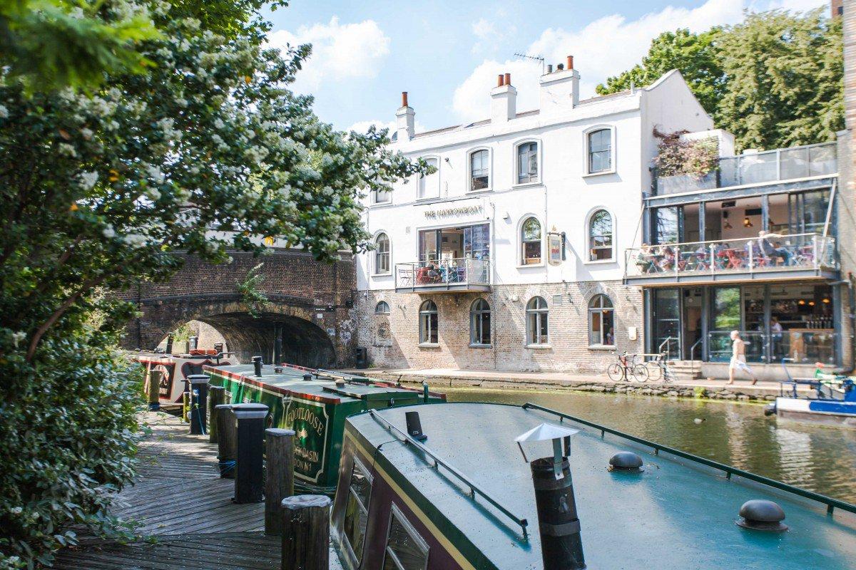 The Narrowboat Pub