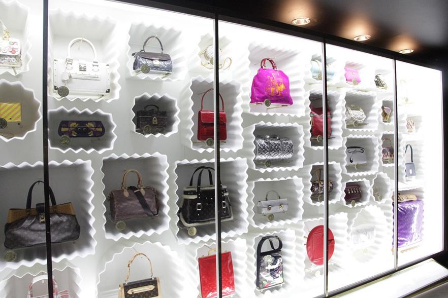 9aa389fdd4e4d Handbags in Louis Vuitton Marc Jacobs Exhibition
