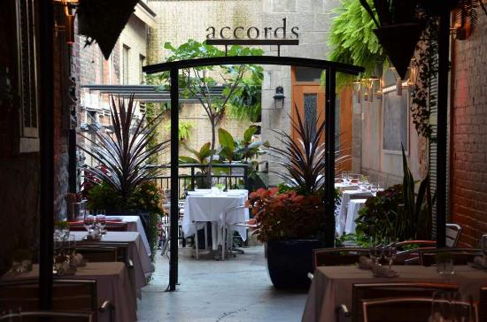 Al Fresco Dining at Accords in Montreal