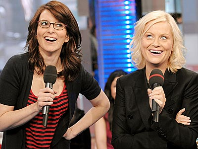 Tina Fey and Amy Poehler will co-host the 2013 Golden Globe Awards.